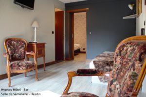 Chambre pour les famille ou les groupes à l'hôtel HYPNOS à HESDIN.