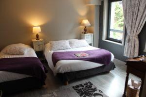 Chambre triple à l'hôtel HYPNOS à HESDIN.