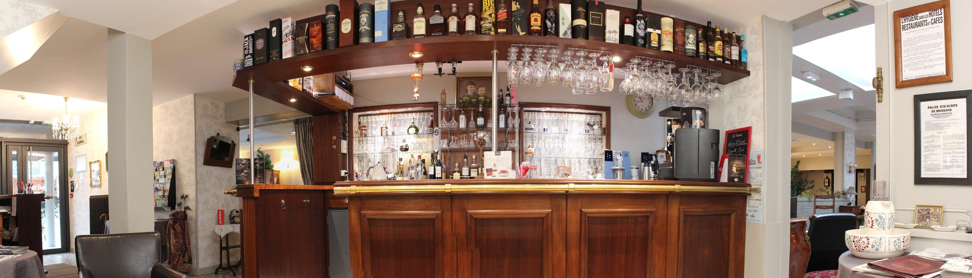 Le bar de l'hypnos hotel à hesdin.